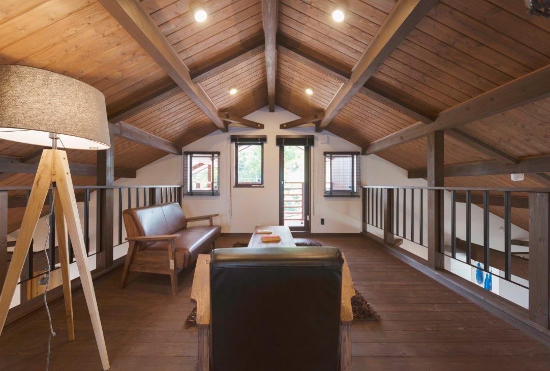 大人の余裕が生きる屋根裏部屋スタイル